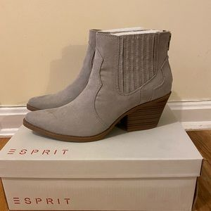 Ankle booties 7.5 brand new.